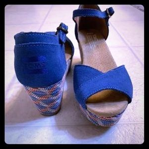 TOMS wedges size 9.5